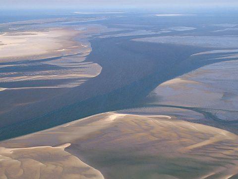 Luchtopname waddengebied (Foto:www.fotofitis.nl)